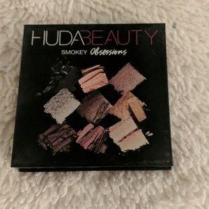 Huda Beauty Smokey Obsessions